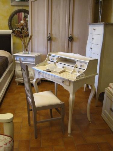 Laboratorio: mobili da verniciare