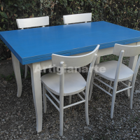 tavolo-classico-azzurro