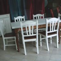tavolo rettangolare con credenza