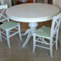 tavolo tondo gambo liscio bianco e verde decapato