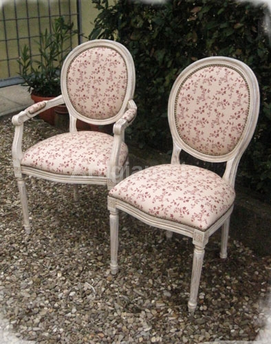 http://www.artigianartedecori.it/wp-content/uploads/2012/05/sedie-luigi-XVI.jpg