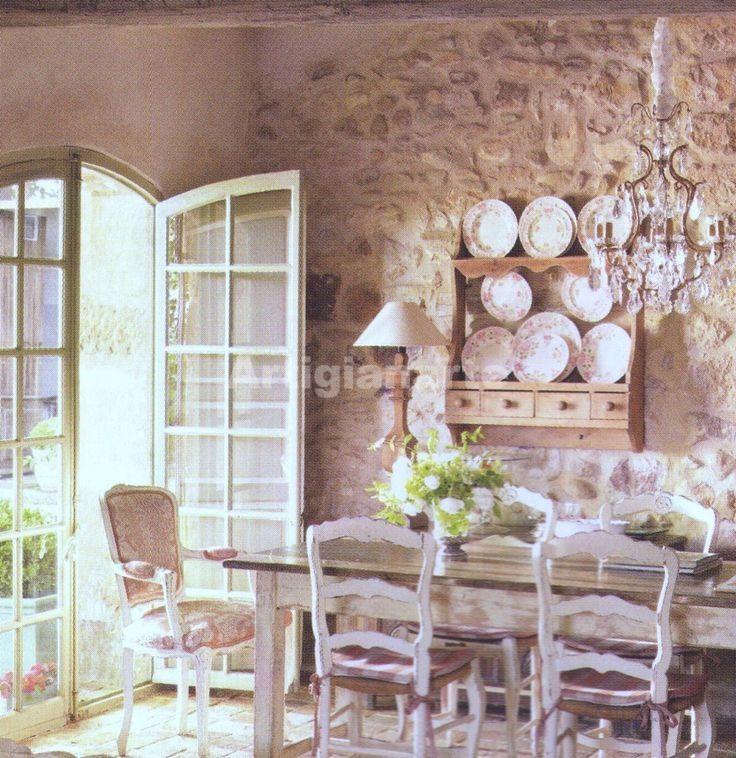 Arredamento provenzale online 3 idee per abbinare tavolo for Arredamento stile country provenzale