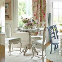 <b>Arredamento provenzale online: 3 idee per abbinare tavolo e sedie</b>